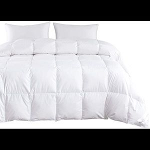 Wake in Cloud Goose Down Comforter New in Bag